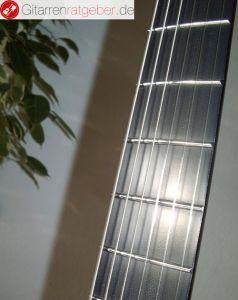 Gitarrenhals und Griffbrett aus Carbon