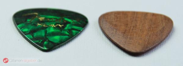 Timber Tones Ovangol Plektrum Höhenvergleich