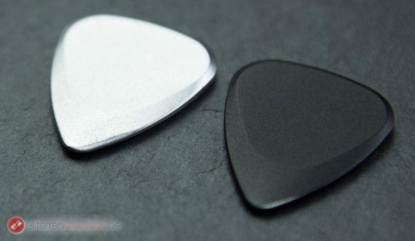 Timber Tones Fusion Tones schwarz und silber vor schwarz