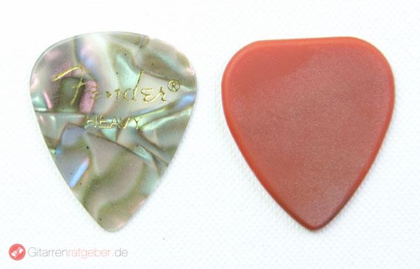 WID Ultimate Stone Pick Plektrum Modell 2A Größenvergleich