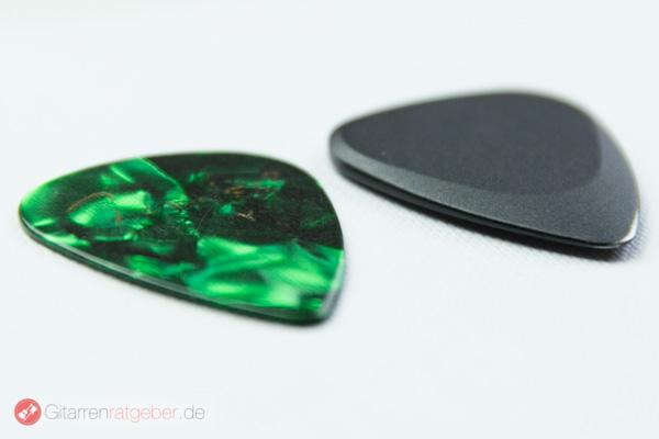 Timber Tones Fusion Tones schwarz, mit Fender 351 schraeg
