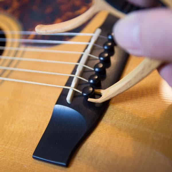 Gitarrensaiten-Pins