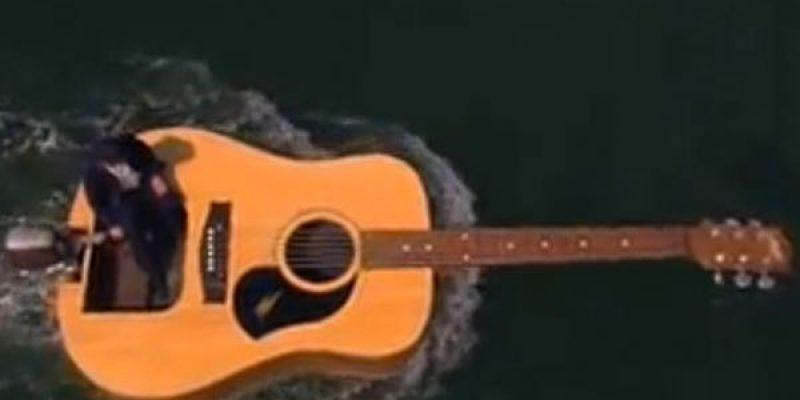 Schwimmende Gitarre – Sachen gibt's, die gibt's gar nicht