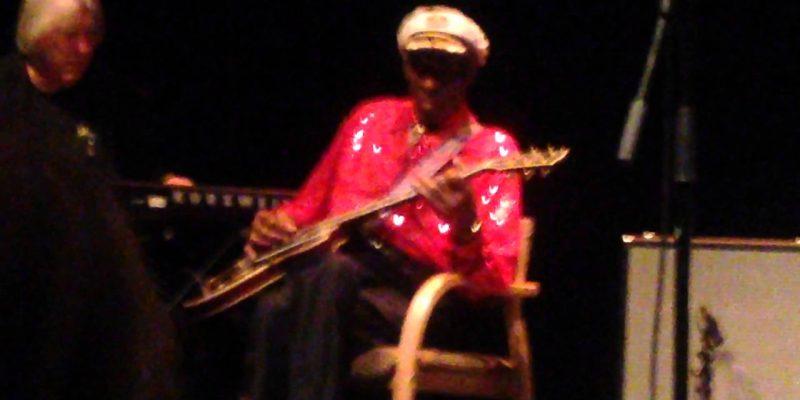 Chuck Berry wird 90 – oder: Wie man seine eigene Legende kaputt macht